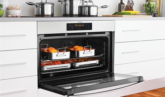 90cm dual fuel freestanding cooker (WFE914SB) - Westinghouse