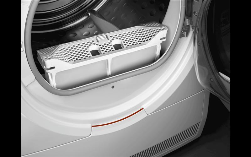 AEG 8kg 8000 series heat pump dryer with SensiDry T8DHC846B