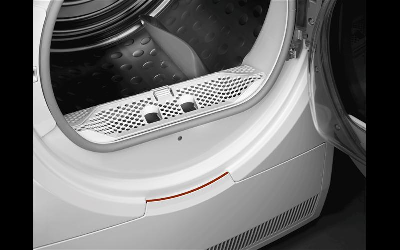 AEG 8kg 6000 series SensiDry heat pump dryer T6DHE831B
