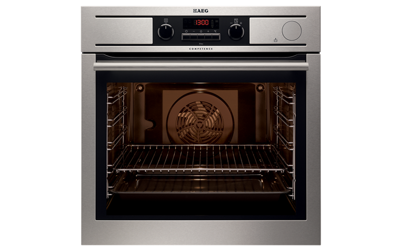 AEG 60cm ThermiC°Steam™ Pyroluxe™ Oven BP5014301M